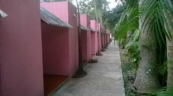Hotel Dolores Alba Chichen: vista a las habitaciones