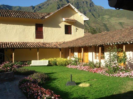 Hotel La Casona De Yucay Valle Sagrado: Agradável jardim rodeando as instalações do hotel