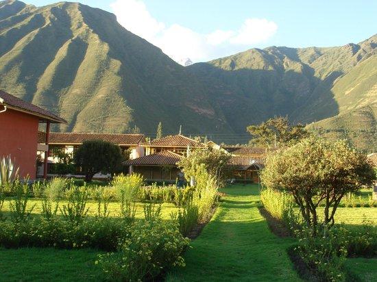 Hotel La Casona De Yucay Valle Sagrado: Hotel rodeado de montanhas