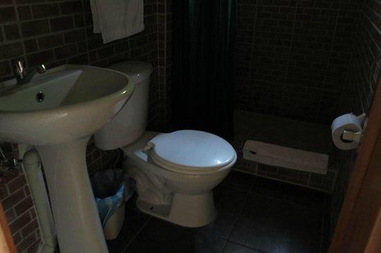 Hostal Kundalini : toilette