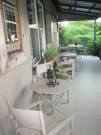 Redcliffe House: Nice & Quiet Porch