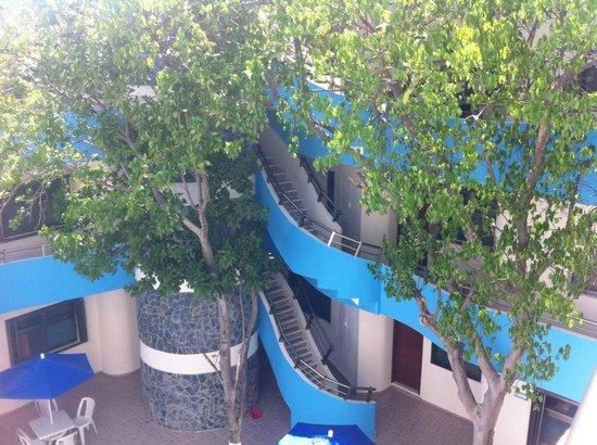 Hotel San Miguel: Vista del hotel por dentro