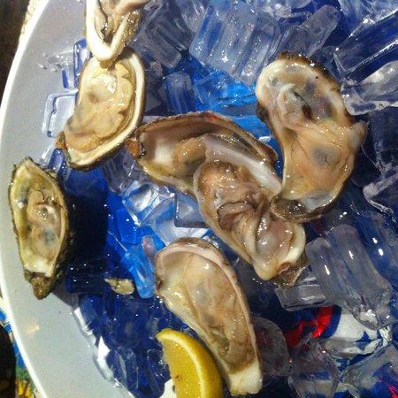 Smokin Oyster Brewery: Yummy oysters