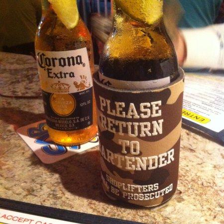 Smokin Oyster Brewery: Ice cold Corona!