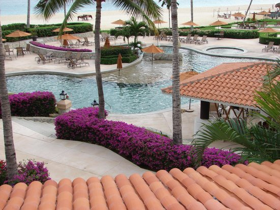 Casa del Mar Golf Resort & Spa: Pool/Swim-up Bar/Lunch Area