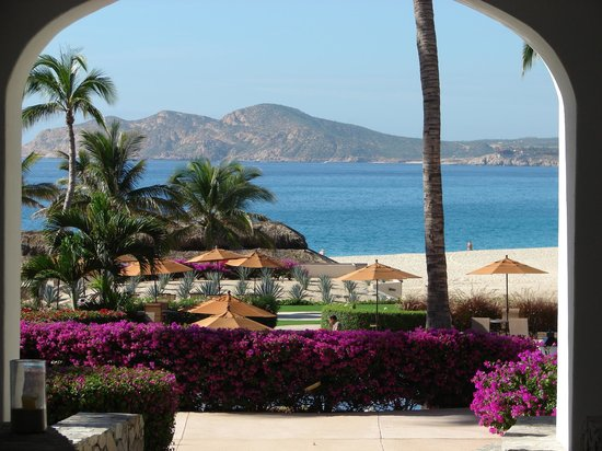 Casa del Mar Golf Resort & Spa: View from the lobby toward the ocean