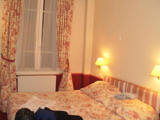 Hotel Exelmans : Наш номер