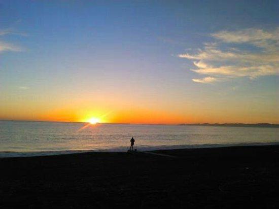 Scenic Hotel Te Pania: View of sunrise