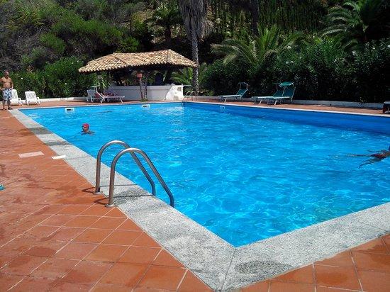 Aurum Hotels Baia Paraelios Resort: Piscina acqua salata