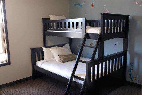 Inn at Nye Beach: Two Bedroom Kids Suite