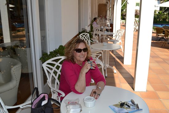 Araxa Hotel: Coffee on the patio