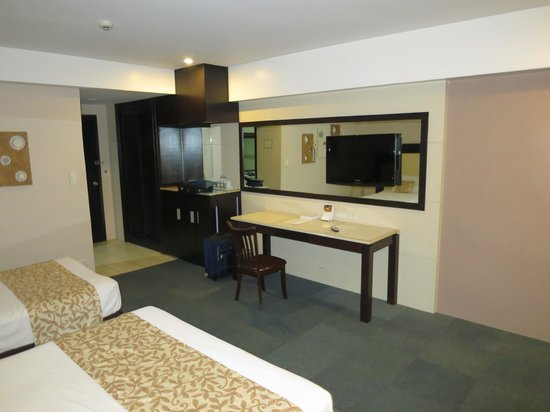 Cebu Grand Hotel: Superior double room