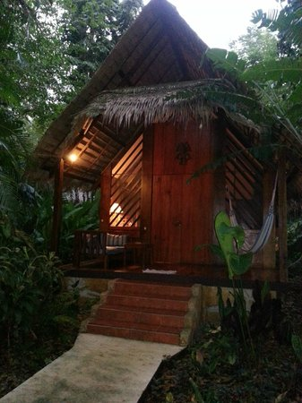 Hotel Shawandha Lodge: Our bungalow
