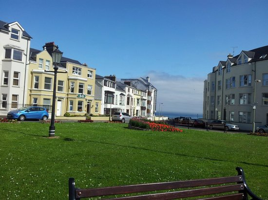 Cul Erg Bed and Breakfast Portstewart: hotel building front