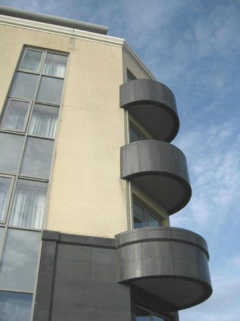 The Salthill Hotel: Corner balcony rooms