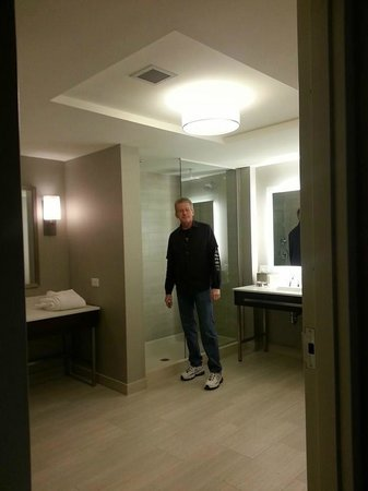 WinStar World Casino Hotel: bathroom