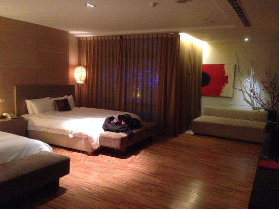 The Sun Hot Spring Resort: Spacious room