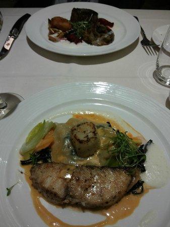 Our main steak fish picture of maison du luxembourg for Maison du luxembourg restaurant