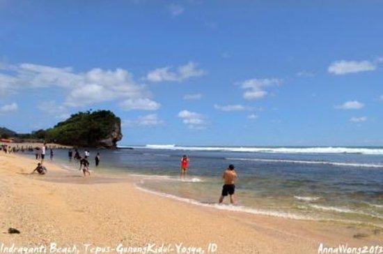 Gunung Kidul, Indonesia: Indrayanti Beach