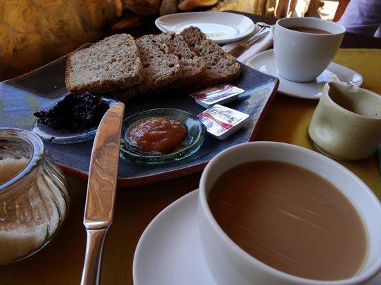 Villa Mozart y Macondo: desayuno