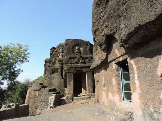 Jhalawar, India: Kolvi Caves