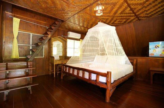 Koh Tao Royal Resort: Deluxe Bungalow Room