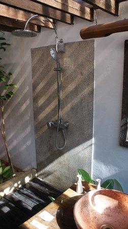 The Cliff Ao Nang Resort : Bathroom