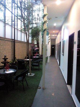 V Garden Hotel: Jap garden view 2