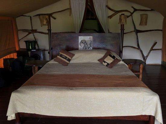 Satao Elerai: tent #3 inside