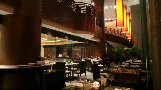 Banyan Tree Bangkok: Breakfast lobby