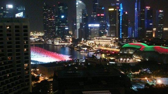Pan Pacific Singapore : Night view from room balcony