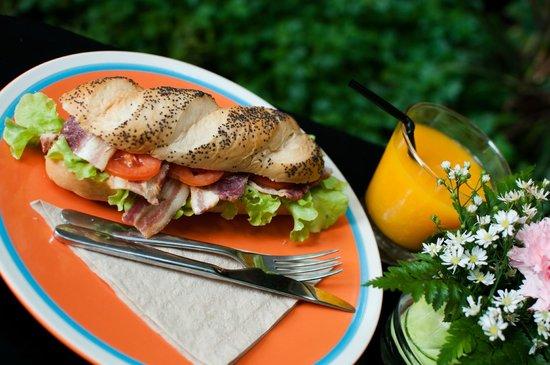 دي ناجا هوتل تشيانج ماي باي ذي يونيك كوليكشن: Gourmet Sandwiches