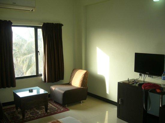 Hotel Hampi International: Room