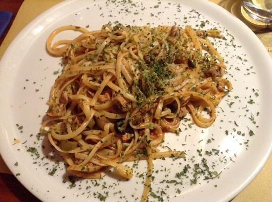 Hosteria Barbarigo: Linguine al tonno,olive e pesce spada