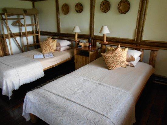 Buhoma Lodge: Room 4 Bedroom