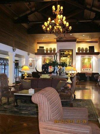 Sheraton Senggigi Beach Resort : hotel's lobby