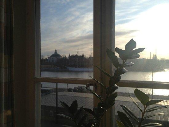 Best Hostel Old Town: Вид из окна одноместного номера в 6 утра...