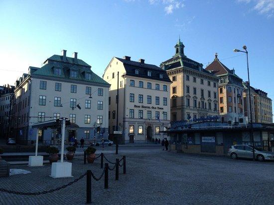 Best Hostel Old Town: Вид снаружи