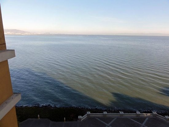 Embassy Suites by Hilton Hotel San Francisco Airport (SFO) - Waterfront : Broad view from room, north-facing