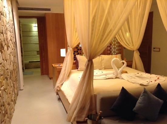 Mia Resort Nha Trang: bedroom view from pool doors