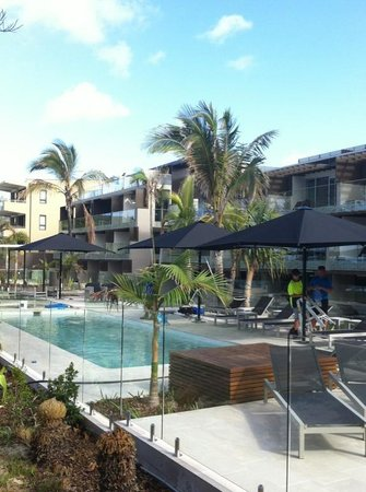 Seahaven Noosa: New beach side pool area