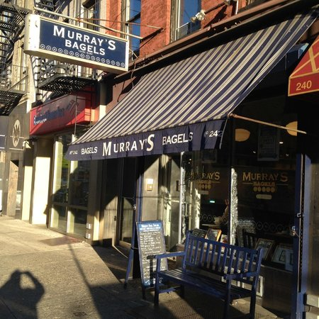 Murray's Bagels: Outside