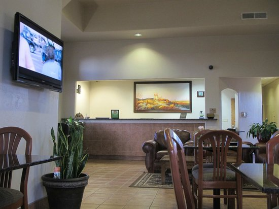 Best Western Alamosa Inn: the lobby