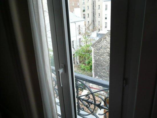 Blick Zum Pariser Hinterhof Bild Von La Maison
