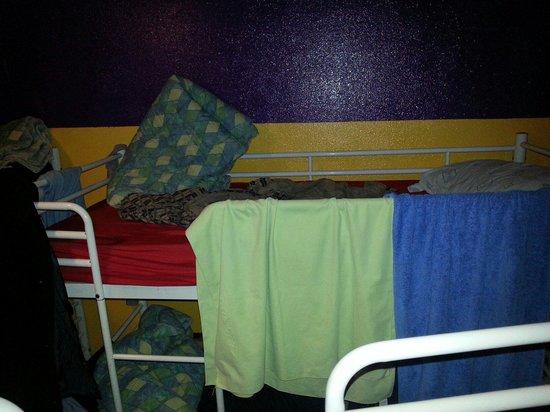 Hostel Blue Planet: Solo letti!!