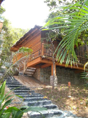 Ancarine Beach Resort : Holzbungalow
