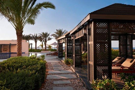 Waldorf Astoria Ras Al Khaimah - Poolside Cabanas