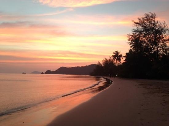 solnedgang ved Big Easy, Koh Mak