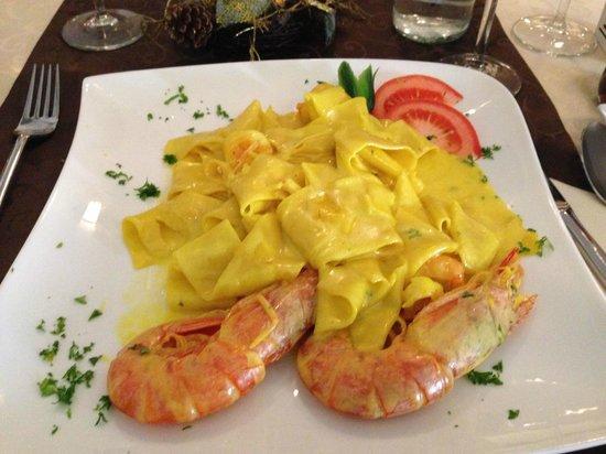 Ristorante Caruso: Nudeln mit Safransauce