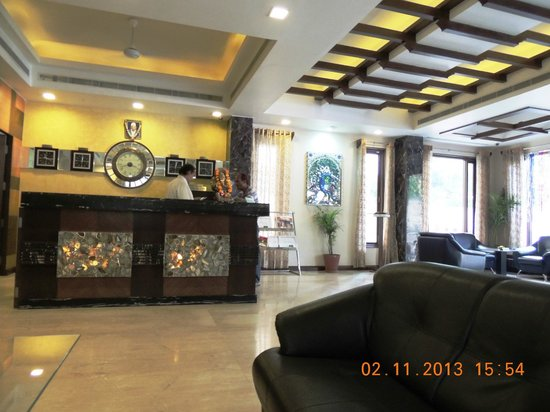 Amantra Comfort Hotel : reception area